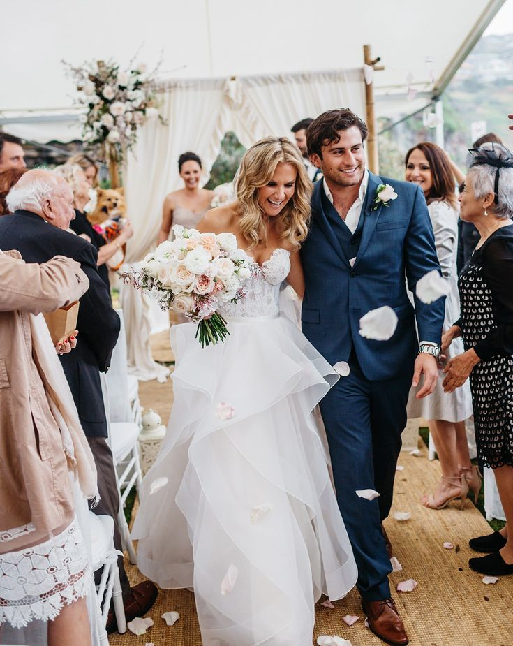 Karen Willis Holmes Selena custom made gown  (the only one that exists PreOwned Wedding Dress on Sale 46% Off