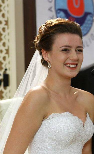 "Gizem Karaca, in #AlisseNuera Wedding Dress  - ""Benim Hala Umudum Var"" TV Series 2013/2014"