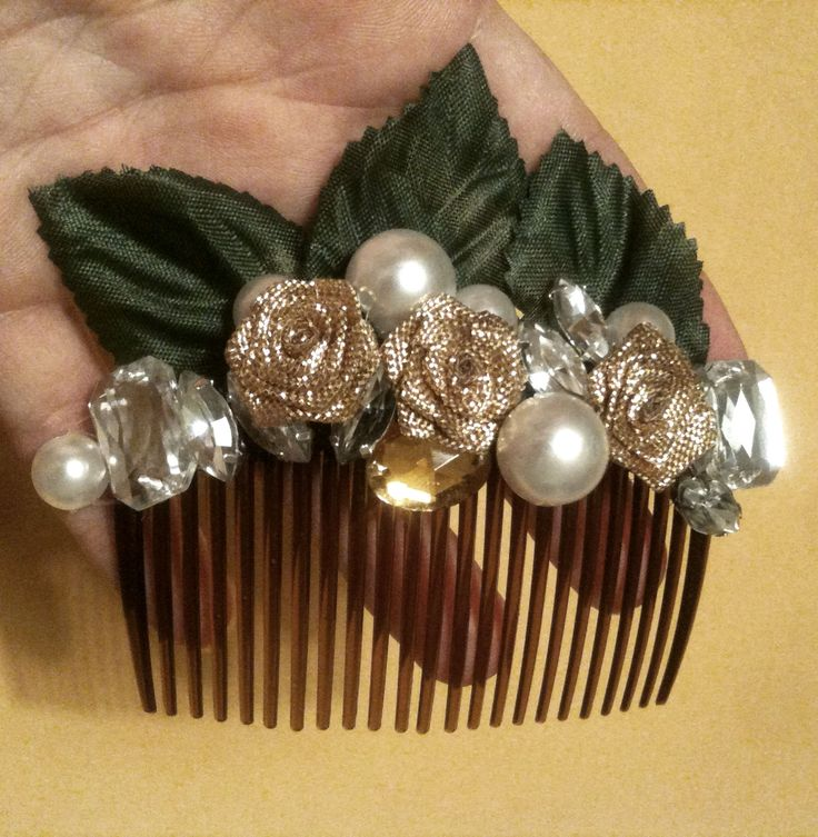 GOLD NATURE AND PEARLS dyi hair comb (just sewed with nylon thread, no glue)