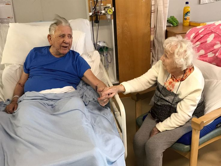 A devoted elderly couple spent the final days of their 73-year marriage hand in hand after hospital staff went all out to bring them together.