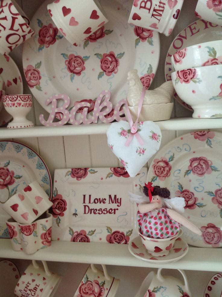 Emma Bridgewater pink collection (Louise's gorgeous dresser)