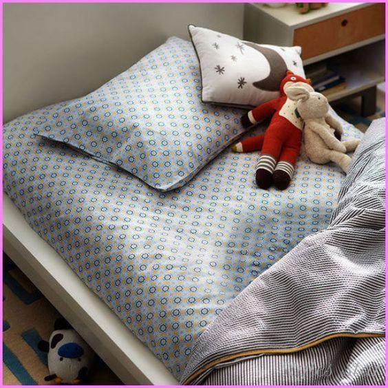 Else heeft tijdens haar kindertijd eens in haar bed geplast. Haar moeder was zo kwaad dat ze het gezicht van Else in haar plas duwde.