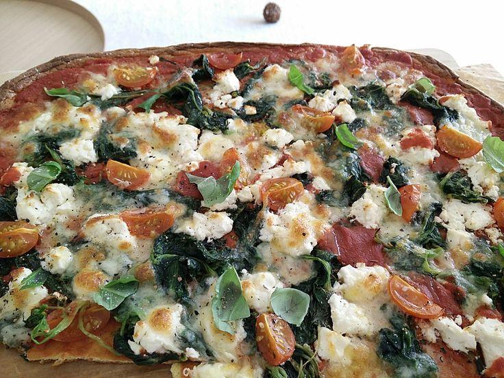 Low Carb Pizza aus einem Ei-Quark-Teig, ein sehr schönes Rezept aus der Kategorie Gemüse. Bewertungen: 8. Durchschnitt: Ø 3,7.