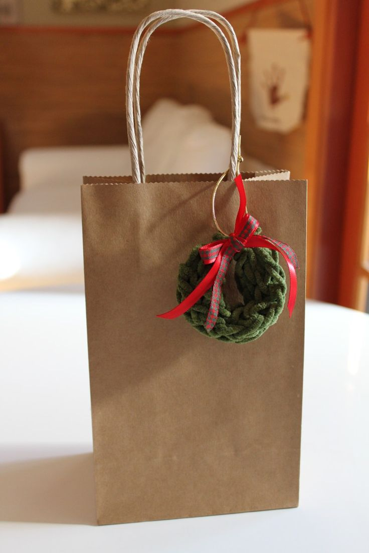 Toilet Paper Roll Knitting Nancy Idea #4: Wreath Ornaments |