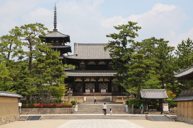 Located : Horyuji Temple, Ikaruga area, Nara pref.