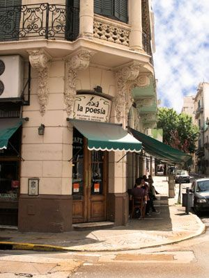 http://wander-argentina.com/la-poesia-–a-literary-cafe-in-san-telmo/