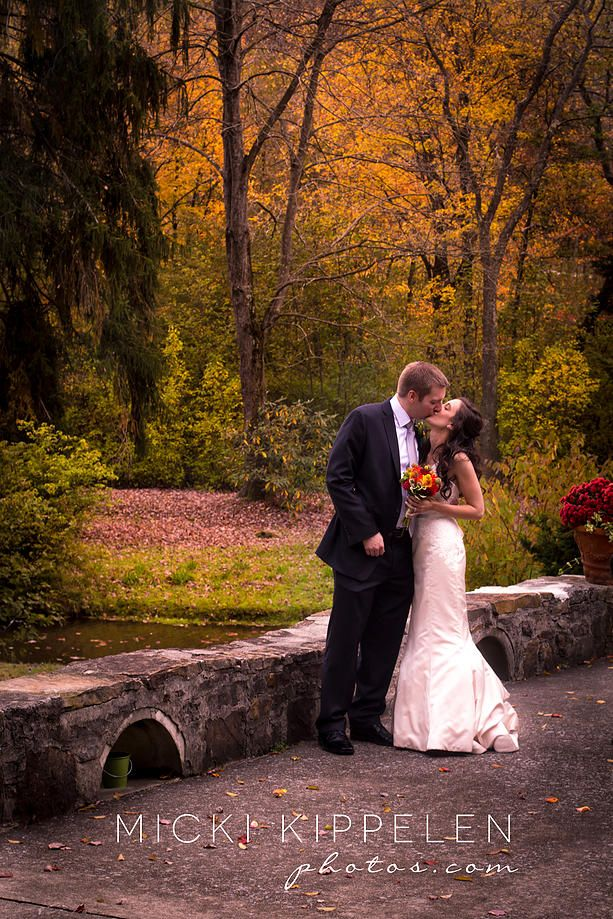 Micki Kippelen Photos Is A Pittsburgh Wedding Photographer Who Specializes In Modern And Elegant Photography For The Effortlessly Chic Bride