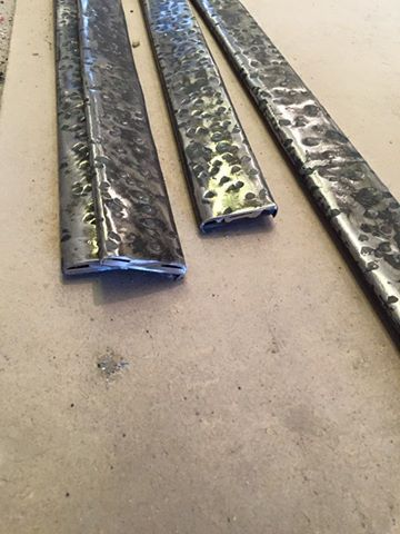 Кованые металлические пороги, резка металла.  Цена: 2150 руб за метр погонный http://www.metal-made.ru/contacts/