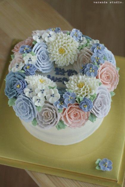 VERANDA STUDIO Butter cream flower cake ;D