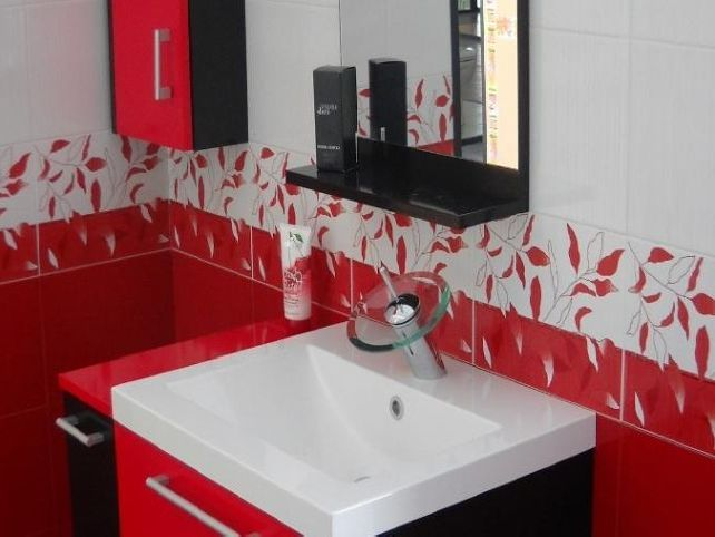 red white bathroom decor bathroom decor pinterest white bathroom decor white sink and bathroom designs