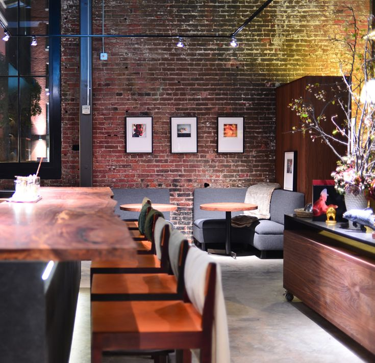 Saison San Francisco Use Of Accent Lighting Brick Black