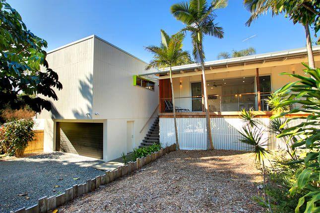Contemporary Beach House, a Noosa Heads House   Stayz