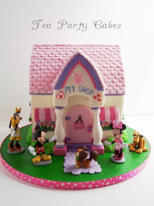Minnie's Pet Shop cake. Wouldn't want to eat this one.