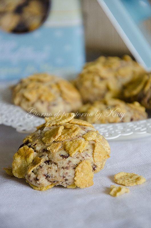 Biscotti con cioccolato e cornflackes