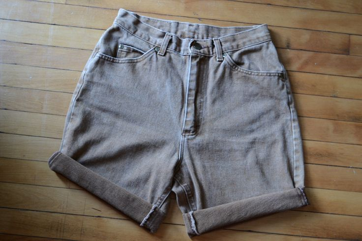 @ajp114 shows us how to turn old jeans into great summer cut-offs!