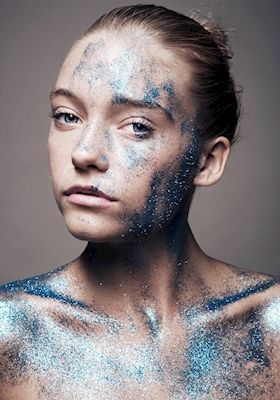 Beatrice Törnros - Crystalised. Portrait of a girl with blue glitter.
