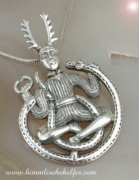 Cernunnos mit Symbolen und Schlange