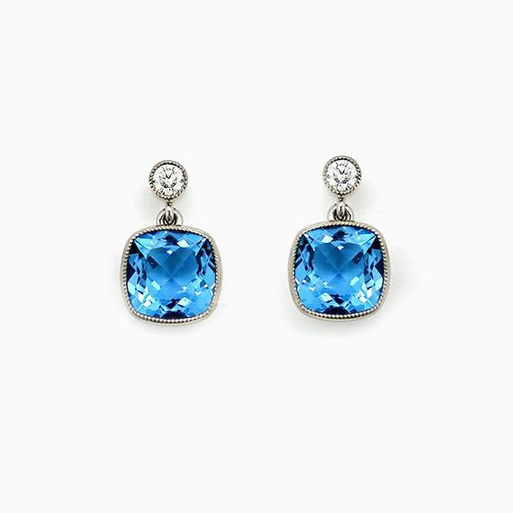 Lunette Earrings with Blue Topaz in White Gold