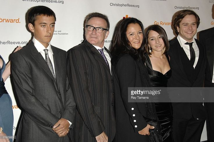 Actor Robin Williams and his family attend The Christopher & Dana Reeve Foundation's 'A Magical Evening' Gala at the Marriot Marquis Harlem Room on November 12, 2007 in New York City.