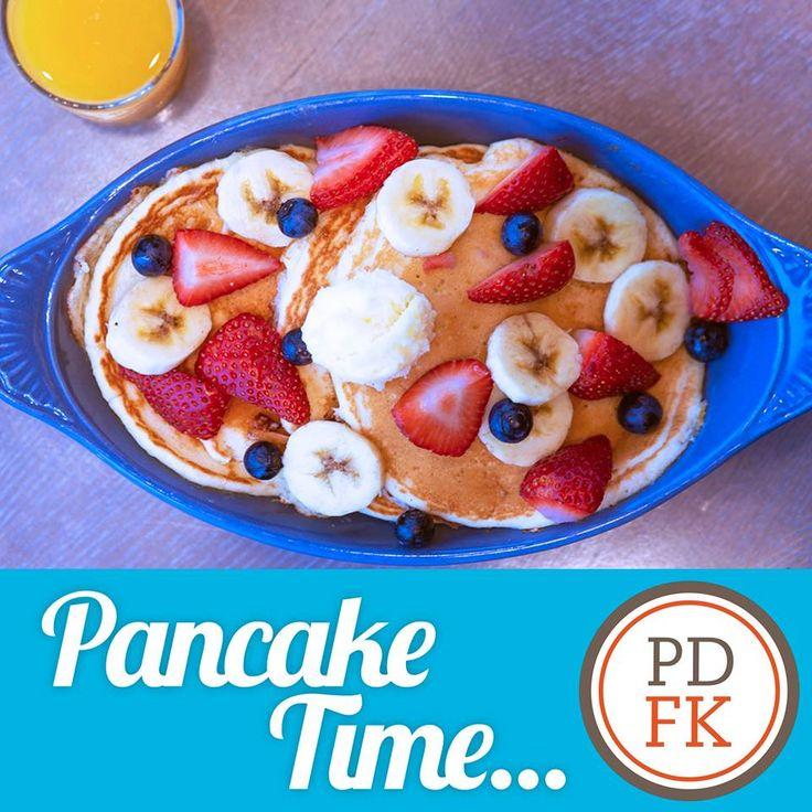 Ooey Gooey Butter Pancakes from Paula Deen's Family ...