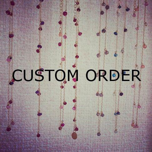 マルチカラーの天然石を贅沢にランダムに繋げたネックレス。着けるとストーンからパワーをもらえそうな、カラフルでジョイフルなネックレス。Tシャツやブラウスに合わせ...|ハンドメイド、手作り、手仕事品の通販・販売・購入ならCreema。