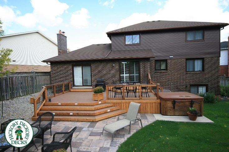 324 sq-ft. Deck w/ Spa. Code: 1RS7131