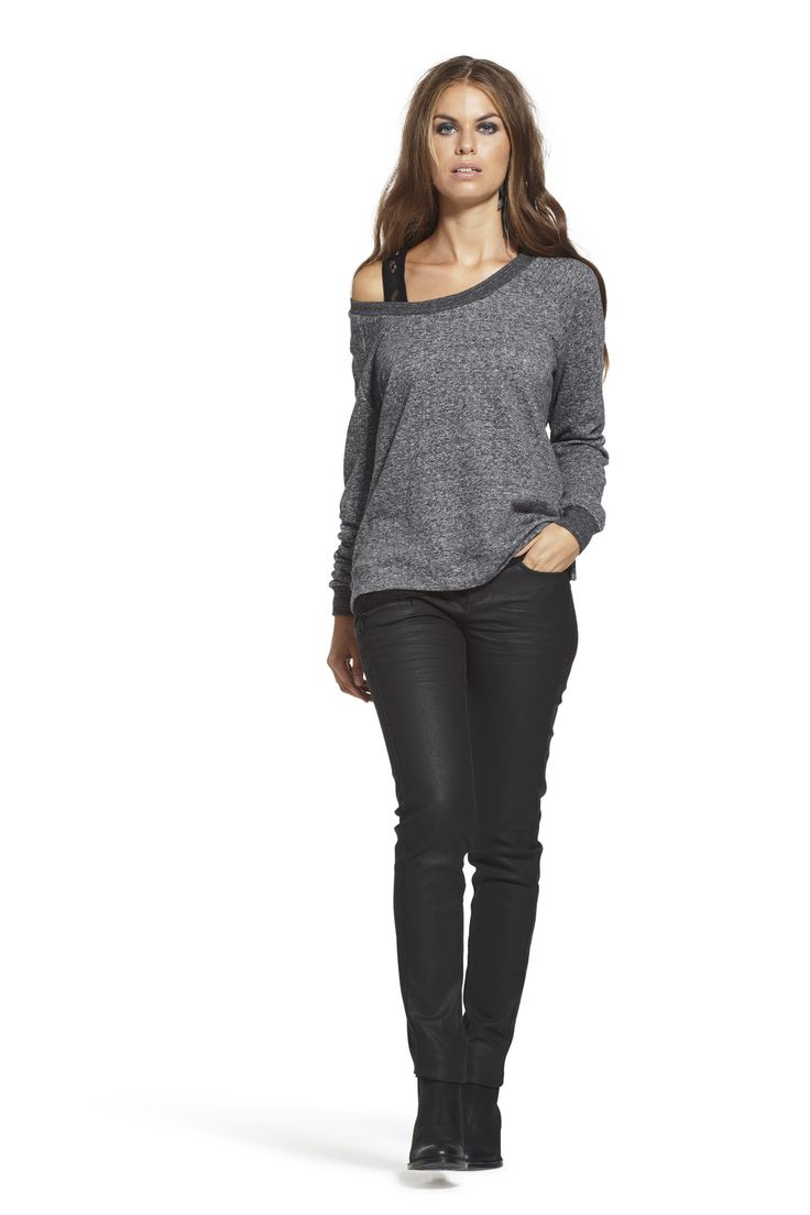 Candie Sweat with Calma Slim High Waist Jeans