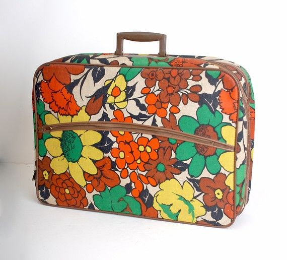 Vintage Flowered Suitcase: Vintage Flower, Vintage Suitcases, Flower Vintage, Orange Flower, Accessories Stuff, Gifts Handmade, Awesome Handbags, Flower Suitcases, Vintage Style