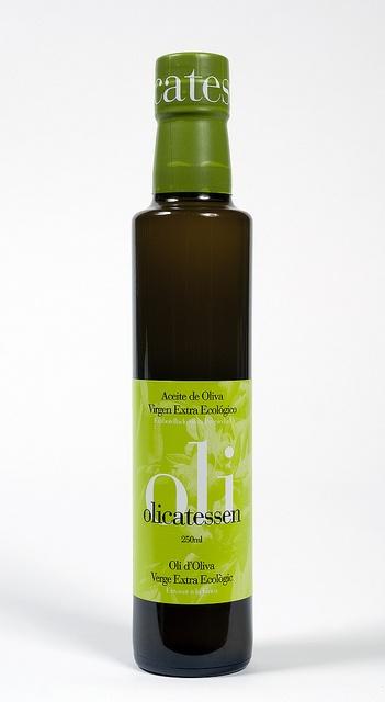 Aceite de oliva virgen extra ecológico Olicatessen.  Coupage de arbequina y varietales autóctonas.