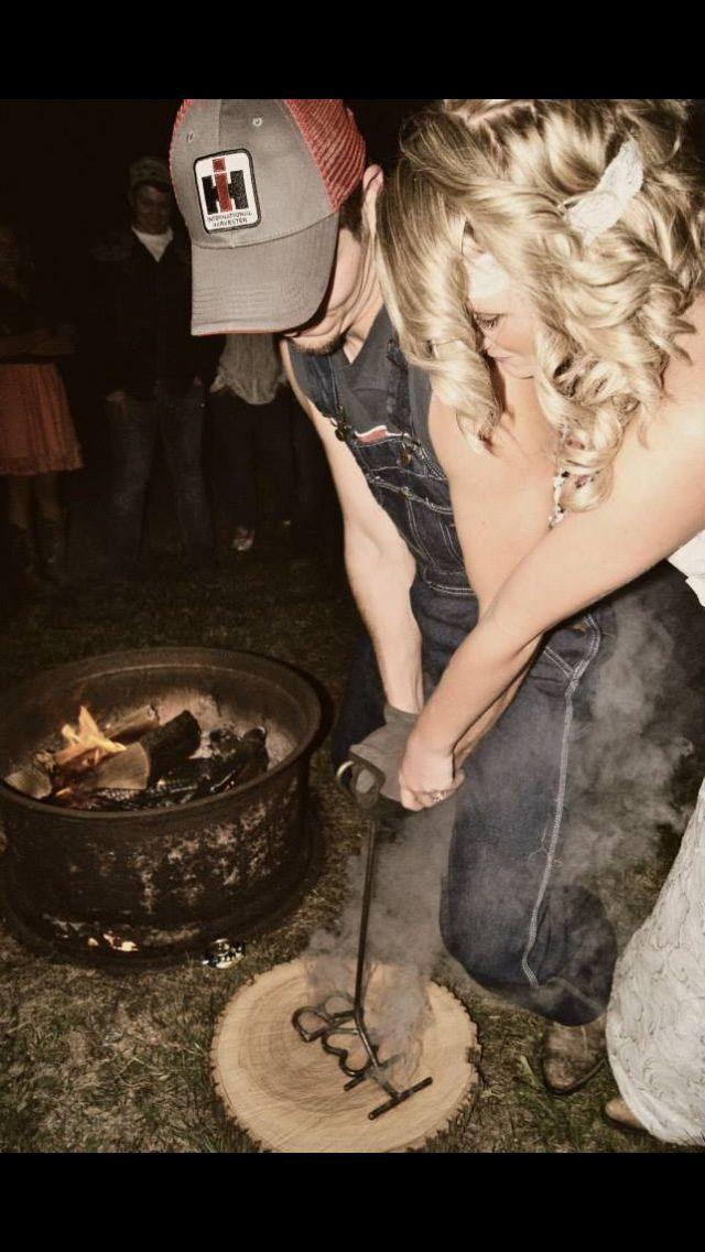 #SGWeddingGuide : Country Wedding - unity candle alternative! |  SGWeddingGuide.com