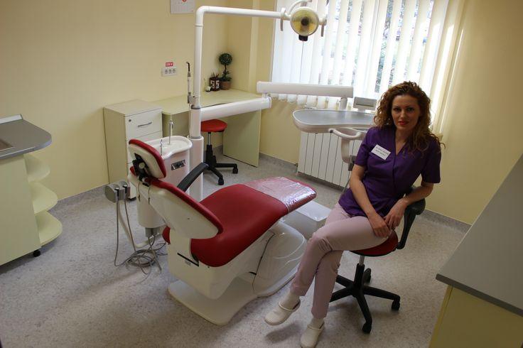 Cauti un medic dentist in Timisoa cu experienta care sa iti ofere tratamente dentare de calitate?  Vino la cabinet stomatologic dr. Cristina Mihai sa ai din nou un zambet frumos si sanatos!