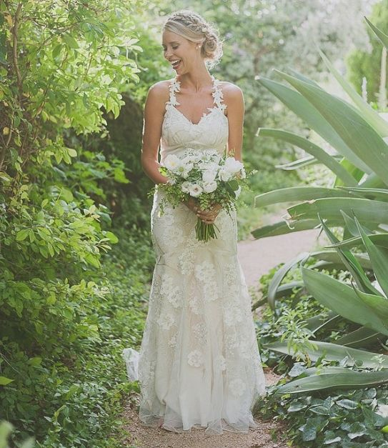 Real bride Liz wore the Claire Pettibone 'Devotion' gown to perfection! | Photo: Day 7 Photography http://www.clairepettibone.com/devotion