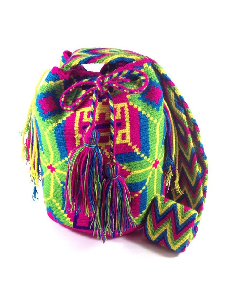 LA GUAJIRA ALIVE WAYUU BAG available at www.shopkokay.com #wayuubag #kokay