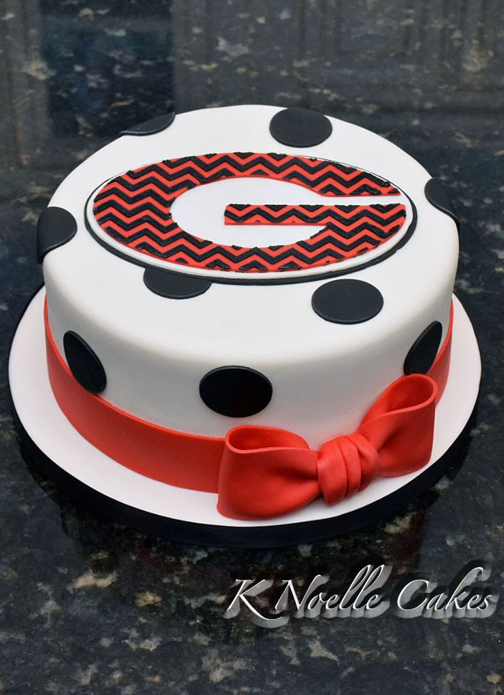 Georgia Bulldogs theme with chevron by K Noelle Cakes