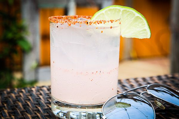 paloma ($6 for Cinco) | dulce vida grapefruit tequila, agave nectar, squirt, lime wedge