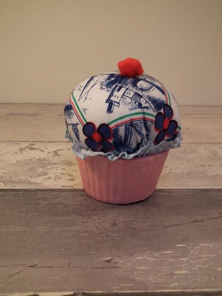 Stoff Muffin 'Holland' - Cupcakes door Jeela - Winkels & keukens - Speelgoed - DaWanda
