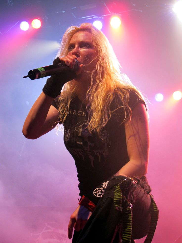 "Arch Enemy's Angela Gossow: ""I'm the boss"""