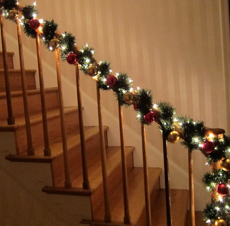 The 25 best banister christmas decorations ideas on pinterest for How to decorate a banister