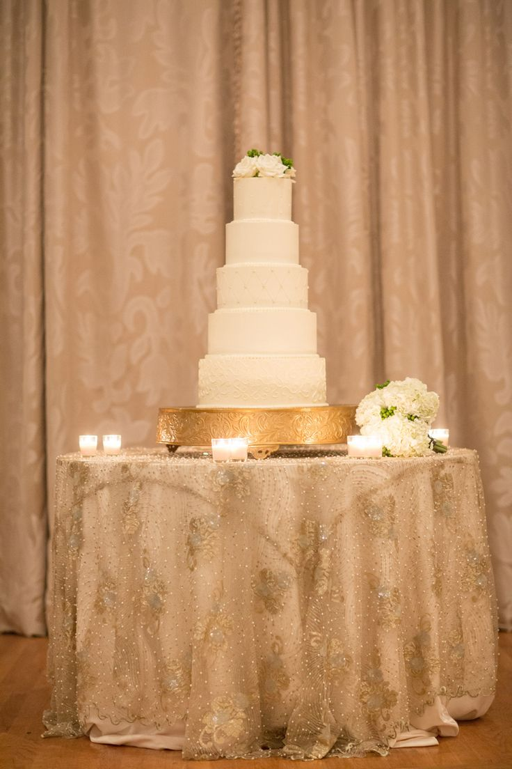 wedding cake table linens 220 best images about wedding cake tables on 26193