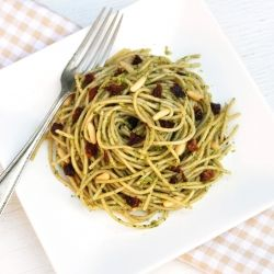 Spaghetti with Arugula Pesto, Sun-Dried Tomatoes and Pine Nuts - ready ...