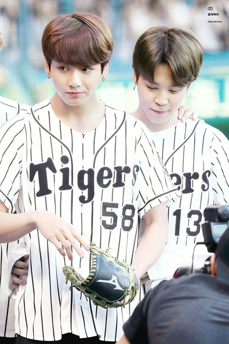 Jungkook and Jimin ❤ BTS At The Hanshin Tigers vs Nippon Ham Fighters Baseball Game! For the ceremonial first pitch~ (PRESS - 170602) #BTS #방탄소년단