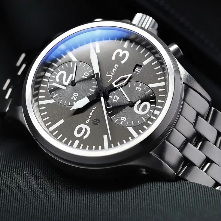 756 DIAPAL - The Duochronograph with DIAPAL.