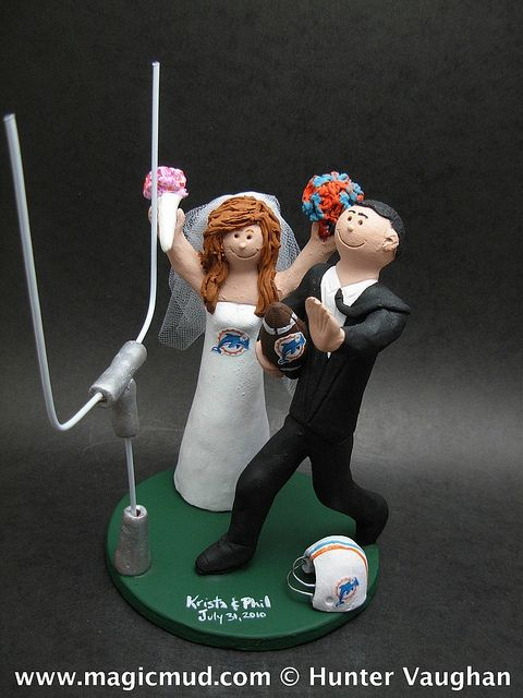 miami dolphin wedding cake toppers 1000 images about miami dolphins cakes on 17330