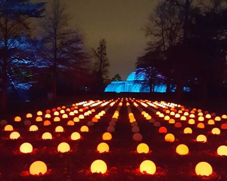 Christmas At Kew 2017 – Event Review. We love Kew Gardens at Xmas and this year's lights were amazing!