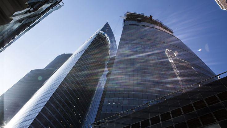 """Federation Tower à Moscou e périmètre de cette nouvelle zone s'étendra sur quelque soixante hectares tandis que les tours auront une hauteur entre 243 et 360 mètres. La plus imposante, la West, s'articulera autour de 93 étages tandis que la East n'en comptera """"que"""" 63."""