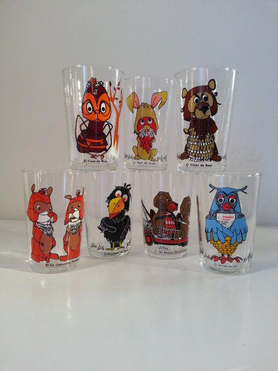 """Vintage 60s The Daily Fable Glasses ( Dutch : De fabeltjeskrant ) from 1968.. """"Raak"""" / M.M. Chanowski"""
