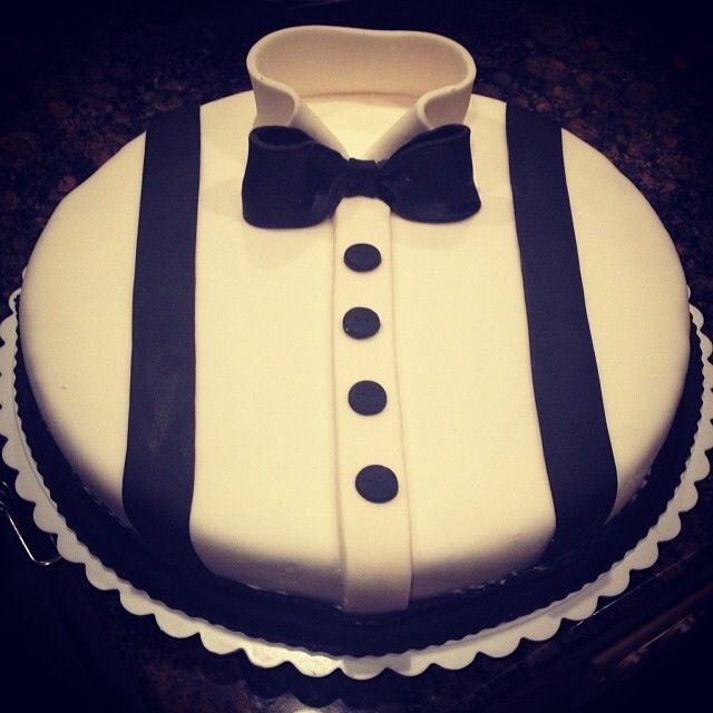 Cake Decorations For Men S Birthdays : Men s cake ????? Pinterest Dinner jackets, Men cake ...