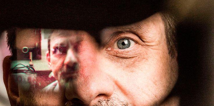 💡В Стэнфорде разработали бионические «протезы для глаз»  ➡Команда стэнфордских исследователей сообщила о прогрессе в разработке «протеза для зрения», способного помочь людям с прогрессирующим заболеванием сетчатки, в особенности, пигментным ретинитом и макулодистрофией.  ➡По данным Национального института здравоохранения, пигментный ретинит является самой распространенной причиной наследственной слепоты. Обычно он начинается в детстве с потери ночного зрения, а затем постепенно отнимает у…