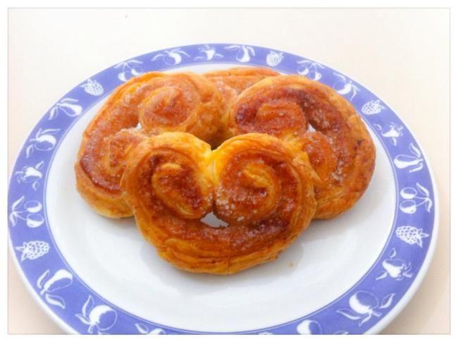 Recipe here:    http://sweetsrecipesfromtheworld.blogspot.it/2014/05/cinnamon-palmiers.html