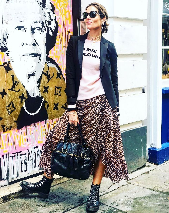 The Over-40 Women We Follow Religiously on Instagram | Fashion bloggers over  40, Fashion over 40, Stylish fashion